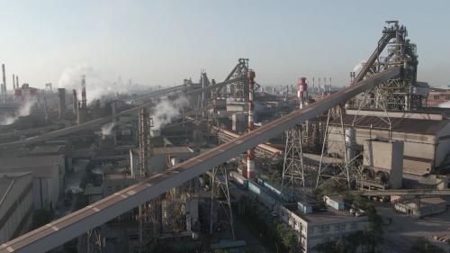 63年開工,66年11月初如期竣工。榮工承辦第1期第1階段工程,製鐵、煉鋼、軋鋼及公共設施等4大部分,共計完成21個單元(83個施工項目)。