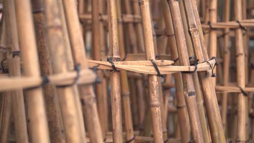 相傳是在清朝康熙年間,施世榜父子共同出資募工疏鑿濁水溪旁八堡圳,有位自稱林先生的老人所傳授的以「籠仔窩」成功的引溪水入圳工法。