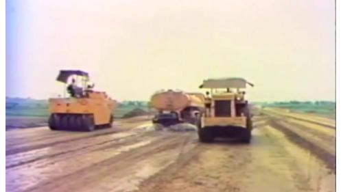 榮工處以重機械來輔助建造中山南北高速公路