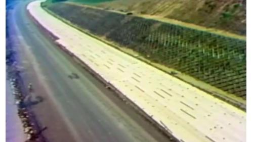 榮工處承辦之中山南北高速公路工程加蓋塑膠帆布以因應下雨