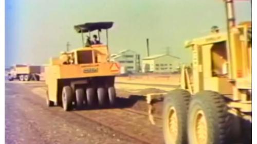 榮工處承辦之中山南北高速公路工程滾壓後壓石路