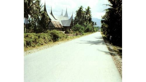 榮工處印尼蘇門答臘縱貫公路工程