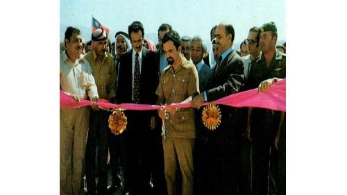 約旦王儲哈山親王(中)親自主持阿卡巴至沙菲公路(榮工處承接)通車典禮