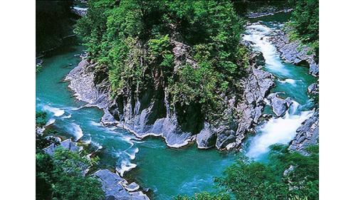 大甲溪上游回流彎  大甲溪上游仁壽峽谷