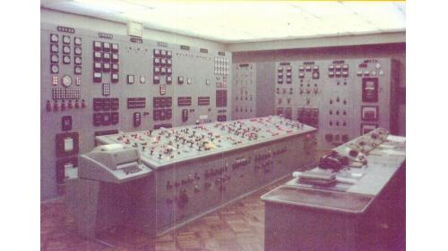 天輪電廠控制室