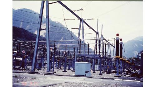 921大地震天輪超高壓開關場的受損相片