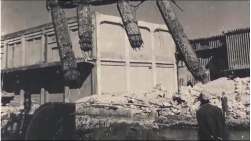 二戰浩劫後的高雄港成了斷垣殘壁