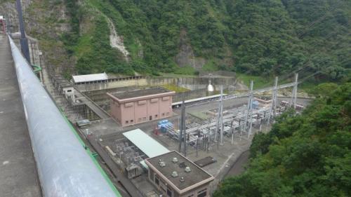 天輪電廠345KV開關場災後變更為體積更小的345KV GIS開關設備