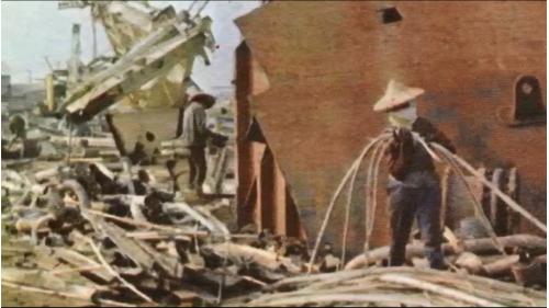 高雄港:舊鐵船解體
