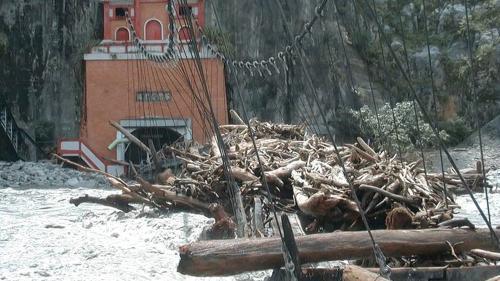 2001年7月31日發生桃芝風災,沖毀通往谷關廠房吊橋。谷關電廠營運陷於完全停頓。