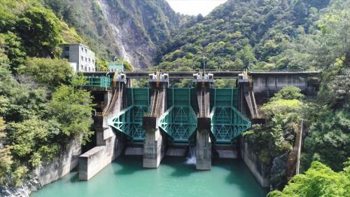 大甲溪流域青山壩及排洪門