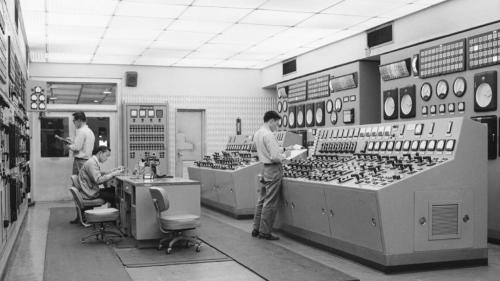 深澳電廠控制室舊照