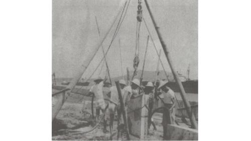 戰後高雄港修建:板椿岸壁沖放錨定板情形