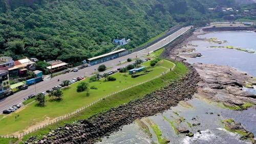2深澳電廠原八斗子至深澳間鐵道的海岸風光