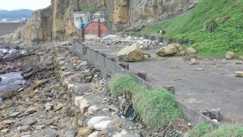 昔日協和電廠建廠初期大型機具搶灘之自強隧道、海岸現況