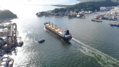 高雄港十二年擴建:浚挖航道