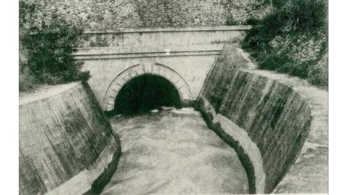 官設埤圳部分,導水路於1922年4月完工,導水路共20,467公尺