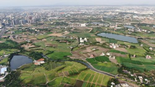 桃園大圳流域內林立的埤塘俯瞰