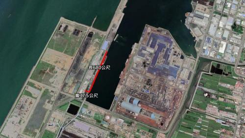 卸煤碼頭長680公尺,寬37.5公尺,含船席兩座,為101號、102號、連續式卸煤機兩部,以及與之搭配的輸煤系統。