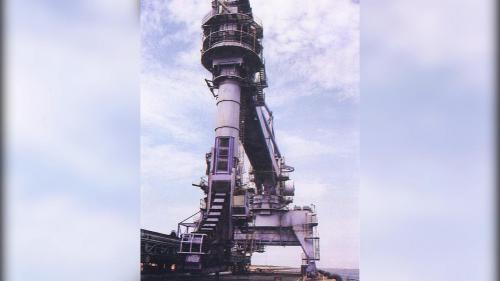 台中電廠卸煤碼頭連續式卸煤機舊照