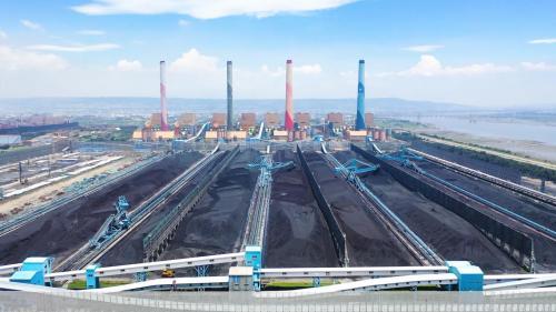 台中電廠露天儲煤場俯瞰