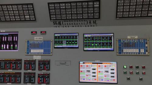 台中電廠控制室