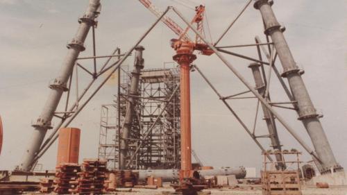 興達電廠建廠初期煙囪吊裝