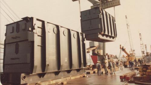 興達電廠建廠初期主變壓器載運舊照