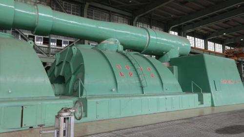 興三機商轉於1985年6月,容量為55萬瓩,屬燃煤機組。