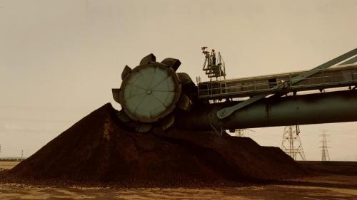 興達電廠早期的堆取煤機
