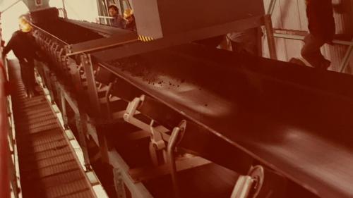 興興達電廠早期的輸煤皮帶舊照