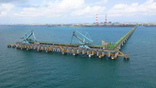 興達電廠卸煤碼頭及連絡棧橋俯瞰
