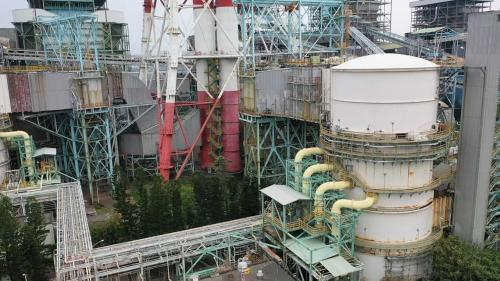興達電廠在防範及解決硫氧化物、氮氧化物及粒狀物的汙染上,陸續投入約309億元。使得興達電廠排放的硫化物在25ppm(法規規定60ppm)、氮氧化物在30ppm以下(法規規定70ppm下)、粒狀物10mg以下(法規規定20mg)