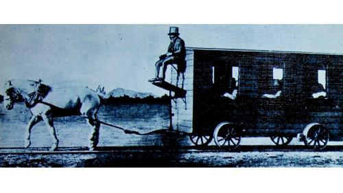 清朝唐胥鐵路通車時以螺馬拉車的舊照