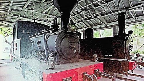 是台灣第一部蒸汽機車,1888年由清朝巡撫劉銘傳創建時期自德國購進,騰雲一號一直服務到1924年才正式退役,目前仍保存於二二八紀念公園。