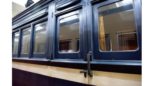SA4102總督花車車窗及車體特寫照