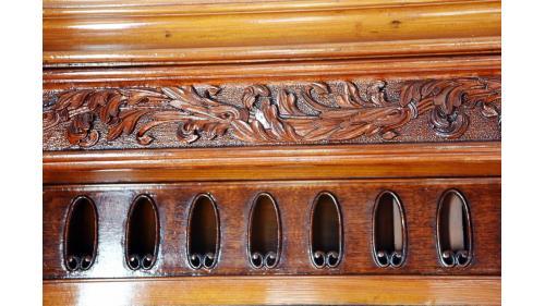 SA4102總督花車內部壁板雕刻特寫照