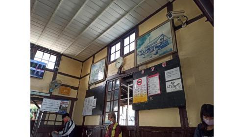 追分車站站房內的候車室