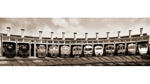火車頭進入彰化扇形車庫休息及保養畫面