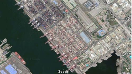 高雄港第二貨櫃中心:63-66號深水碼頭、臨海工業特定區,裝置貨櫃起重機6座