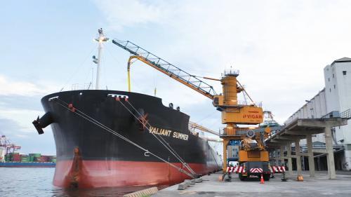 高雄港穀倉碼頭裝卸