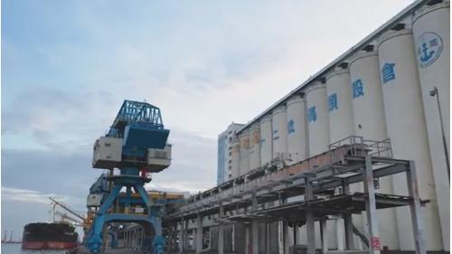 高雄港穀倉及裝卸設備