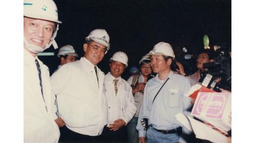 連副總統兼行政院長深夜巡視二高隧道工程