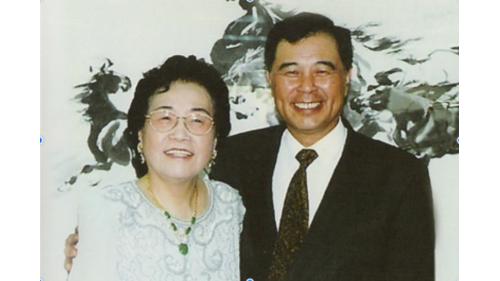 曾元一與日月光集團創辦人張姚宏影女士合照