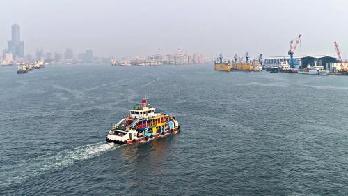 高雄港:往返前鎮旗津間之渡輪
