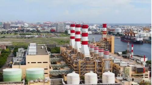 高雄港:南部發電廠1993年共並聯了4部氣渦輪機組,1995年3月再加入2部氣渦輪機組進到供電行列