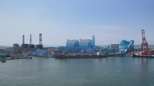 高雄港:大林發電廠全景