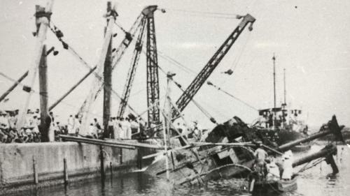 太平洋戰爭後,國民政府接收台灣,隨即展開花蓮港重建的工作,主要修復美軍炸毀的港埠設施,和打撈沈船。