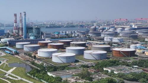 高雄港:1987年改制為「高雄煉油總廠–大林廠」,成為一個儲運、煉製並重的完整煉油廠,最後,在2007年改制為「台灣中油股份有限公司–煉製事業部–大林煉油廠」。