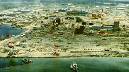 高雄港:中國鋼鐵公司建廠工作由榮工處承辦,地點濱臨第二港口,1974年開工1977年時第一階段工程完工,進入生產階段